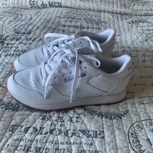 $Sale$ Classic Reebok tennis shoes